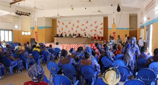 240 mareyeuses du port de pêche de San Pedro organisées en société coopérative feature image