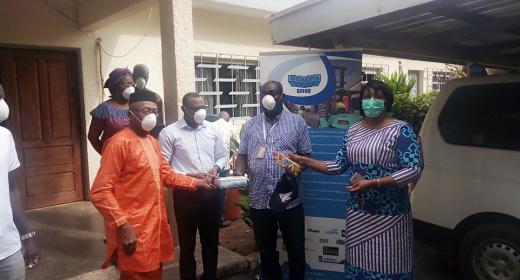 COVID-19/ Respect des mesures sanitaires en vigueur: Le PASP fait un don aux dockers de la société Sempa feature image