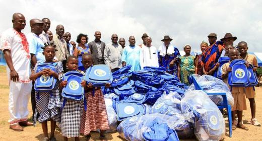 La Fondation Children of Africa soulage les parents d'élèves des écoles de PORO et KABLAKE feature image