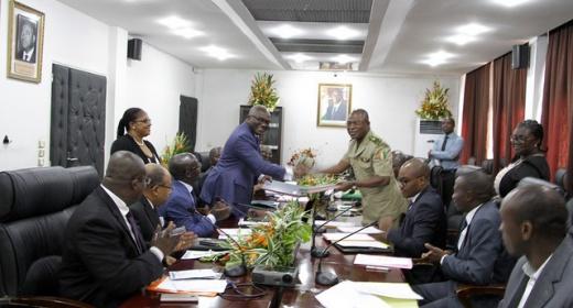Echanges d'informations / Les douanes ivoiriennes et le PASP signent un protocole d'accord feature image